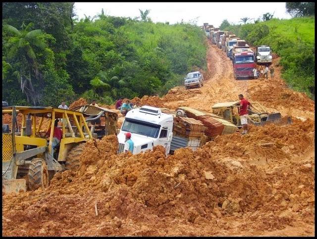 Resultado de imagem para Estradas esburacadas