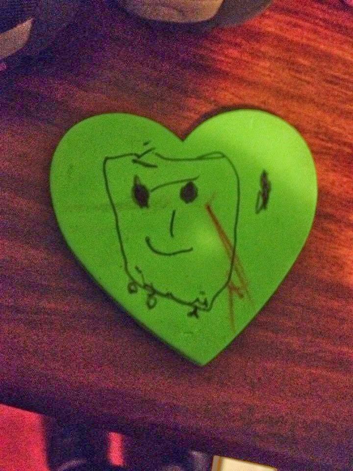 Corazón pintado por hija para Papá