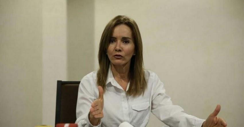 Presentan moción para interpelar a ministra de Educación, Marilú Martens