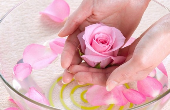 Million Benefits Rose Water For Health And Beauty