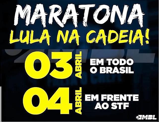Resultado de imagem para petista rasgando bandeira do brasil