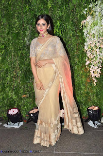 Rakul Preet Singh Looks Lovely In A Saree In These Latest Pics