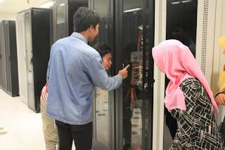 Blogger Medan Wisata Seluler ke Jantungnya XL - Semua berawal dari sini, Jelajah Cepat XL Network Building - Mobile Switching Center