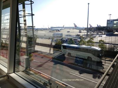Tiba di bandara Internasional Haneda Jepang