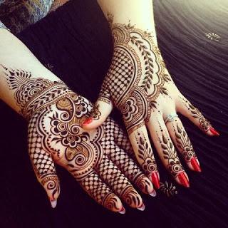 Mehndi design on fingers
