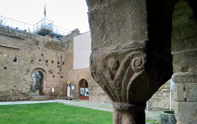 Un detall del claustre