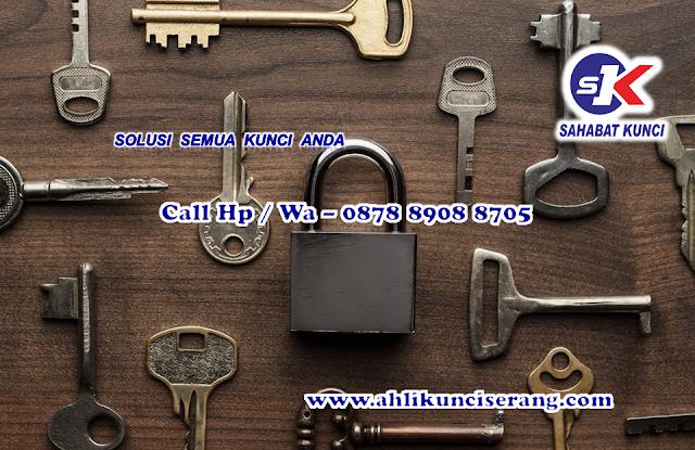duplikat kunci terdekat serang