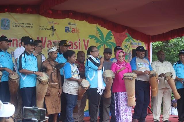 Semarak Pembukaan Festival Biak Munara Wampasi V Tahun 2017