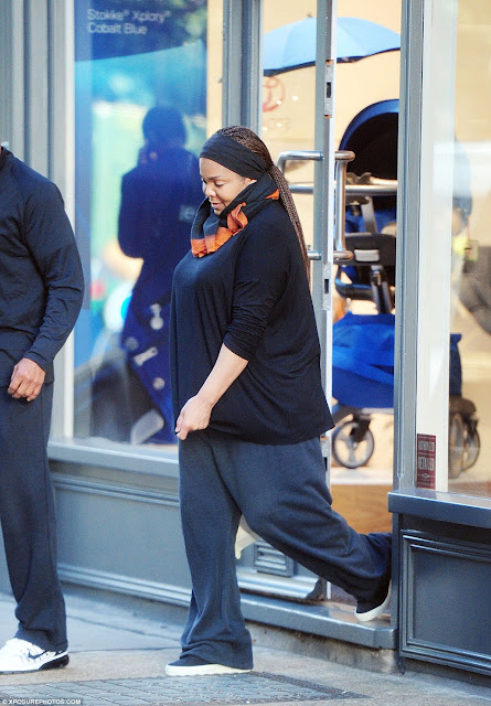 38ECBABB00000578 3814348 Mom to be The singer 50 was seen looking at baby furniture at Ba a 121 1475172821268 - Photos of Janet Jackson without hijab after separation from her husband Wissam Al Mana