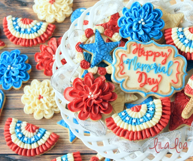 Ruffle bunting decorated sugar cookies -- tutorial