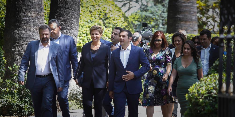 «Το έκτρωμα των 50+ υπουργών» – Ο Τσίπρας έχει την μεγαλύτερη κυβέρνηση στην ΕΕ