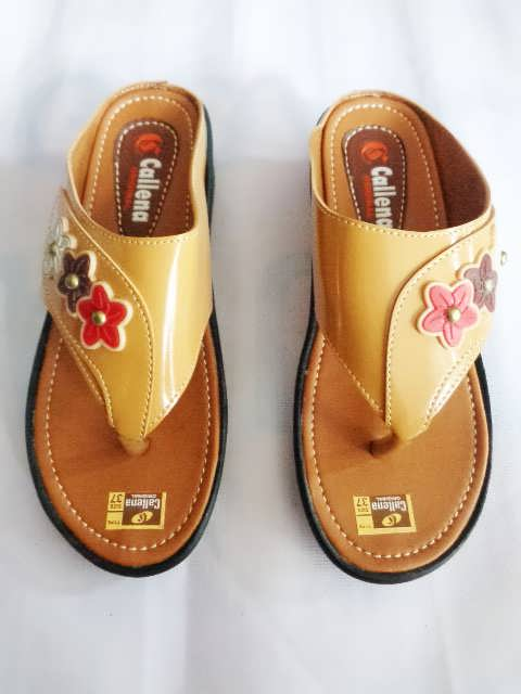 Sandal wanita Callena model Japit Coklat