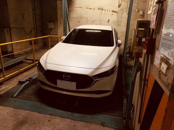 四代Mazda3四門BOSE旗艦款-機械停車位