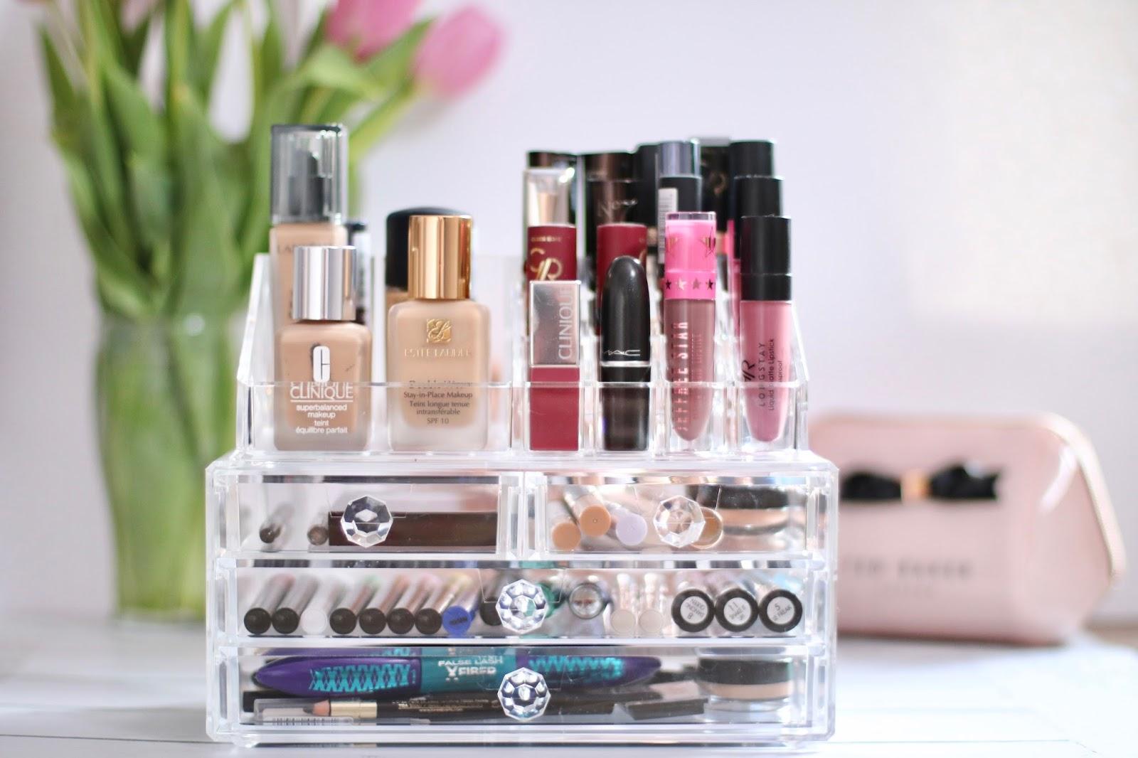 Szkatułka na kosmetyki - Praktyczny organizer na kosmetyki, pędzle, lakiery czy biżuterię !