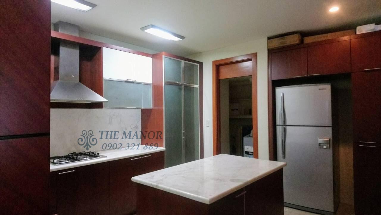 Căn hộ 168m2 cho thuê tại The Manor quận Bình Thạnh 3PN - không gian phòng bếp, tủ lạnh