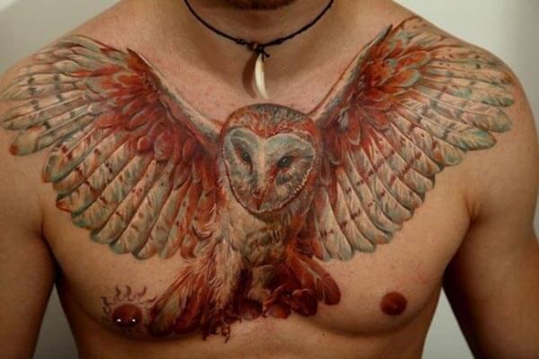 uçan baykuş dövmesi