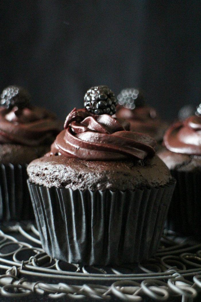 cupcakes-chocolate, moras, cupcakes-moras