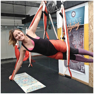 yoga, aeroyoga, pilates, aeropilates, fly, flying, columpio, trapeze, suspension, gravity, teacher training, body, colombia, cali, medellin, curso, seminario, talleres, bogota, aereo, aerea