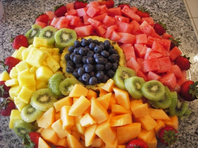 It s written on the wall arranging fruit to make it look fabulous - It S Written On The Wall Arranging Fruit To Make It Look