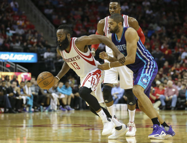 James Harden et Dwight Howard (Houston Rockets) vs Nicolas Batum (Charlotte Hornets)