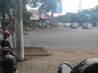 Parkiran BCA Dekat Lapangan Rampal