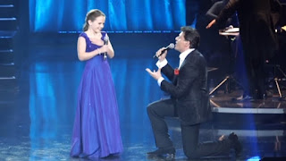 'O sole mio cantata da Amira Willighagen e Patrizio Buanne - Video