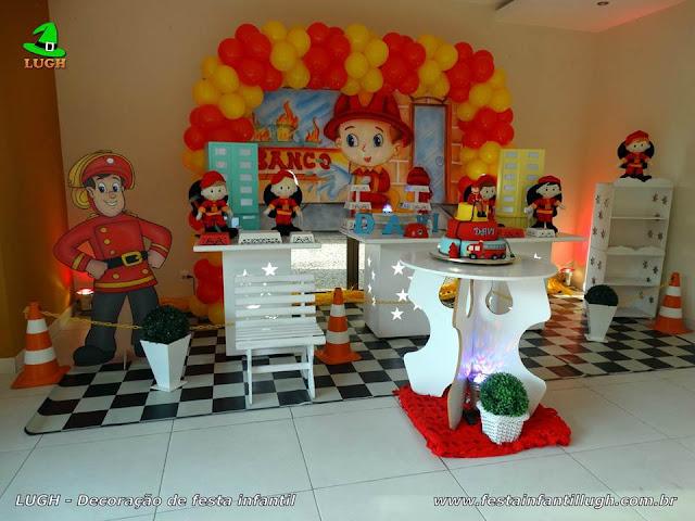 Decoração infantil Bombeiros para festa de aniversário - Provençal simples