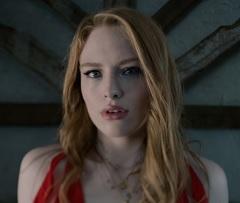 Freya Ridings lança clipe de Lost Without You