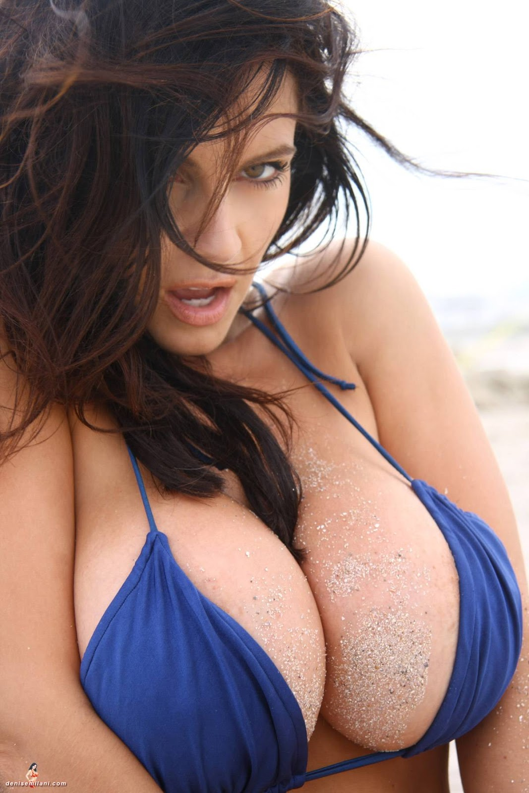 biggest-beautiful-naked-boobs-in-the-world