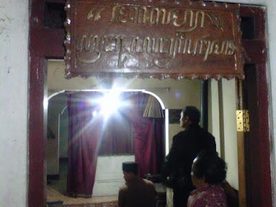 Makam Prabu Angling Dharma