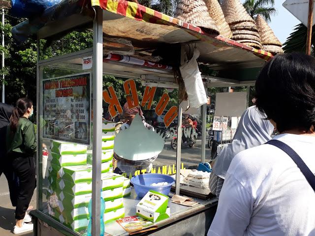 Jajanan tradisional Car free day Bogor