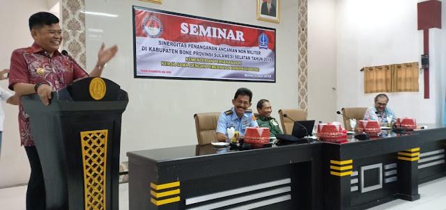 Dibuka Pj Bupati Bone, Kementerian Pertahanan RI Gelar Seminar Sinergitas Penanganan Ancaman Non Militer di Bone