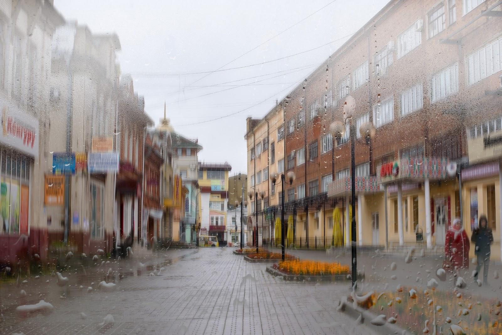 Аптечный переулок в Иваново. Дождь.