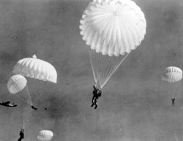 parachute uses