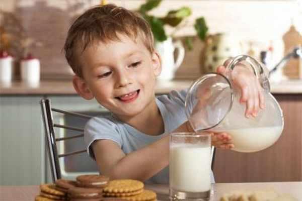 Tips Memilih Susu Formula Untuk Anak Usia 3 Tahun