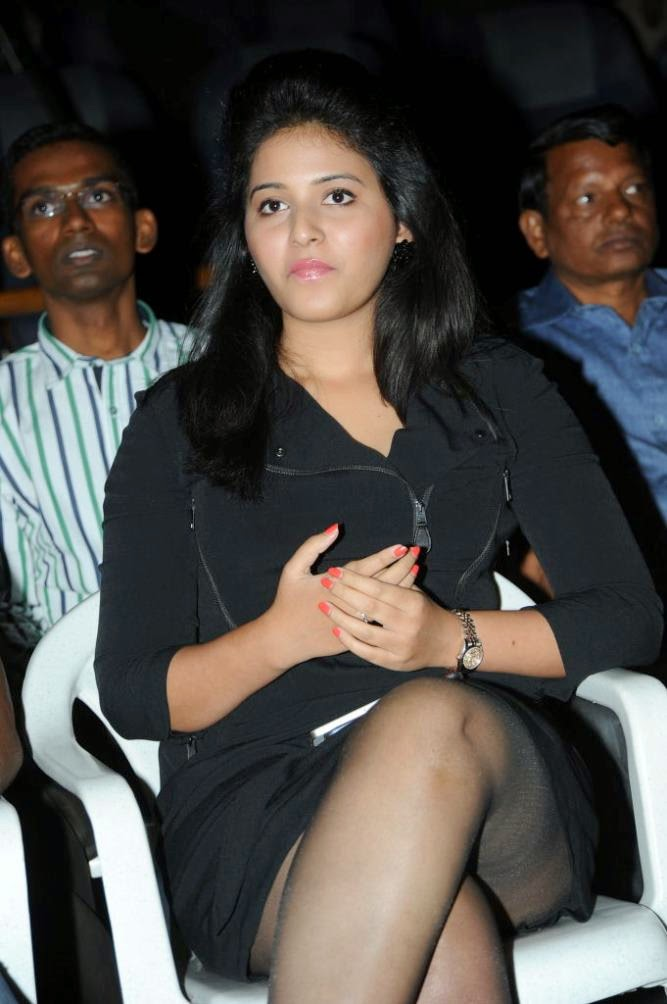 Tamil Actress Anjali Hot Thigh Show In Black Dress