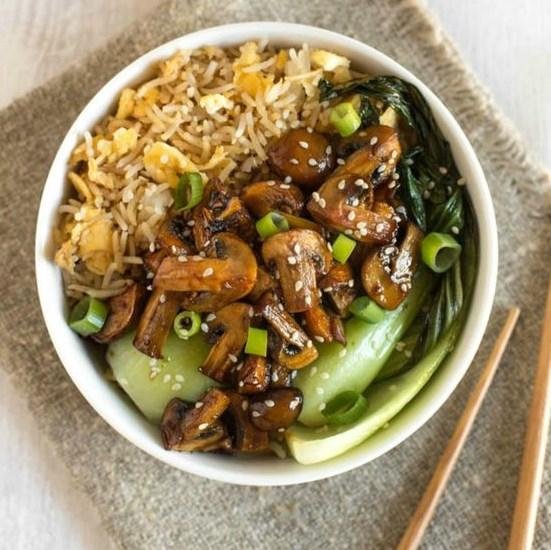 TERIYAKI MUSHROOM EGG FRIED RICE BOWLS #vegetarian #asianfood
