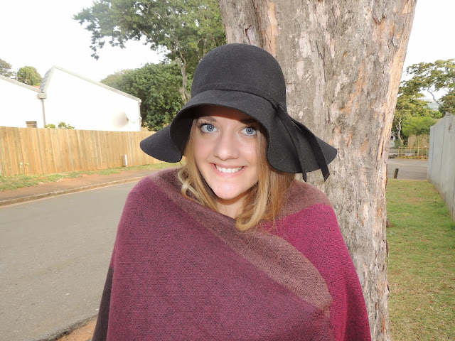 Camilla Jane x Foschini || Floppy hat + Blanket