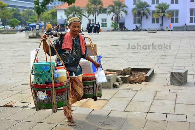 Cafe-Batavia-Jakarta-Fatahillah-Square-Indonesia
