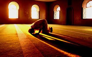 Definisi dan Pengertian Shalat dalam Fiqih Islam