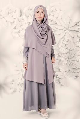 8 Model Baju Muslim Gamis Syar'i ala Artis Oki Setiana Dewi