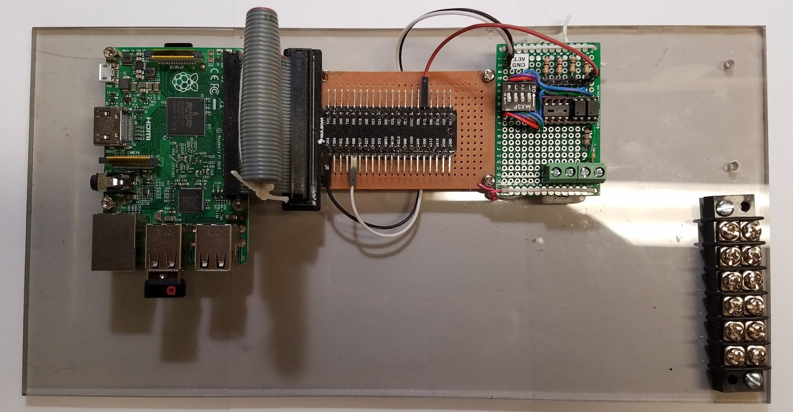 Mad Lab 5 Email Smoke Detector Using Raspberry Pi Sensor Circuit The Basic Concept For This Project Is Based On Fact That When One Of My Detectors Activates It Sends 9 Volts Down A Signal Wire To Let All