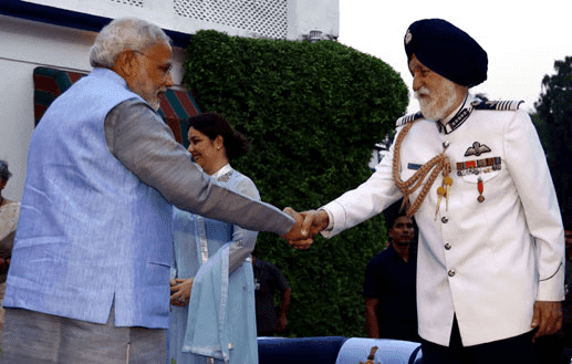 Indian Air Force Marshal Arjan Singh With Indian Prime Minister Modi HD Photo Image Wallpaper