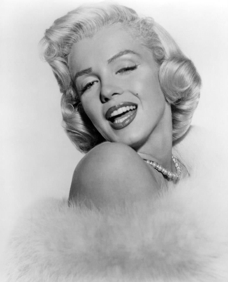 Beautiful Marilyn Monroe Photoshoots by Frank Powolny in