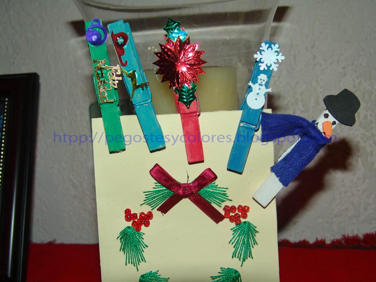 Pegostes y colores prendedores de navidad con pinzas de ropa - Manualidades navidad faciles ...