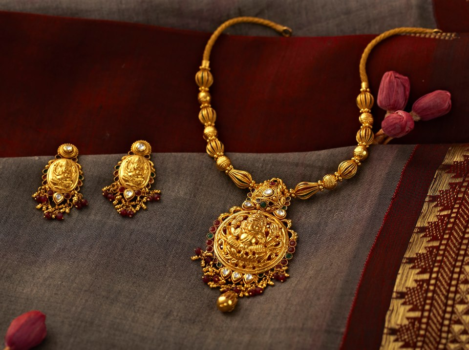 Indian Jewellery and Clothing: Divine temple jewellery from Lalitha ...