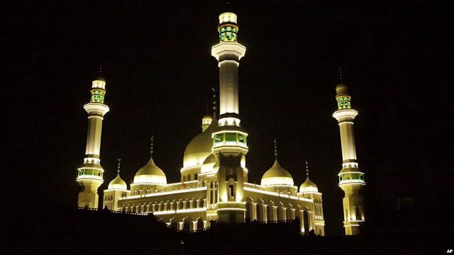Didemo, China Tunda Perobohan Masjid Agung
