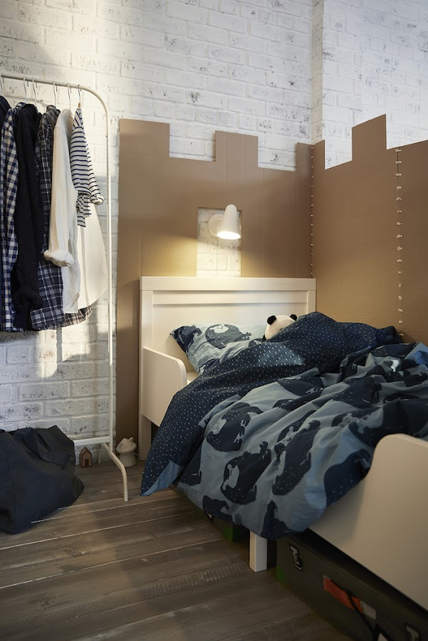 Dormitorio niños con cama forrada con cartón IKEA 2019
