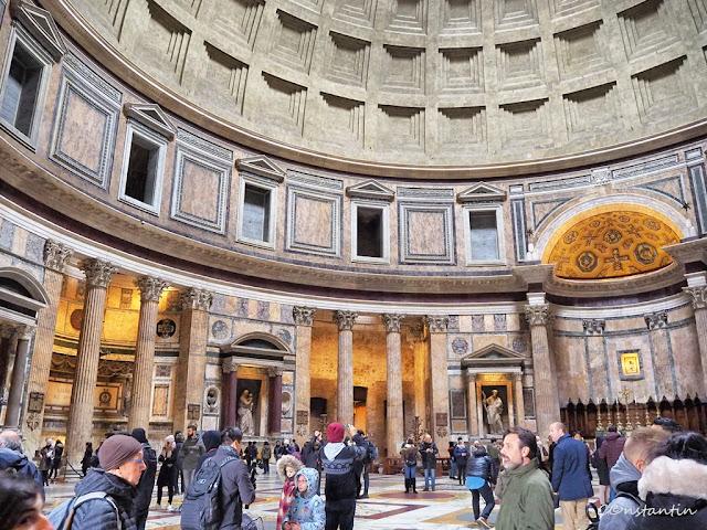Roma - Clãdirea Panteonului (interior) - se vede arhitectura cupolei - blog FOTO-IDEEA
