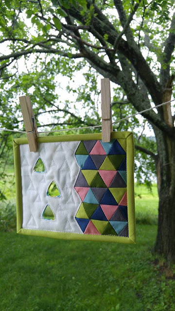 Make Modern mini mini triangle quilt